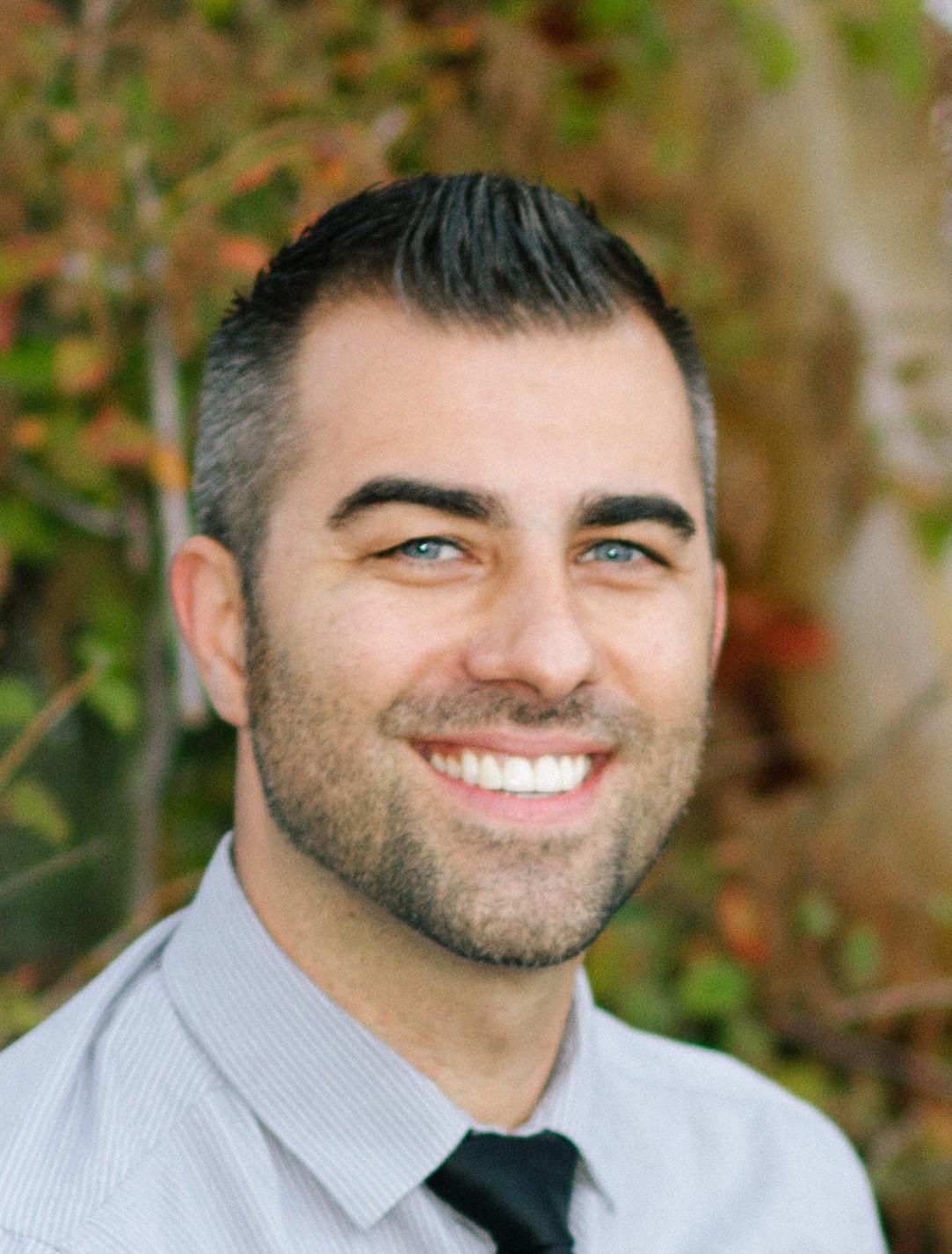 Ryan Arnett, Broker